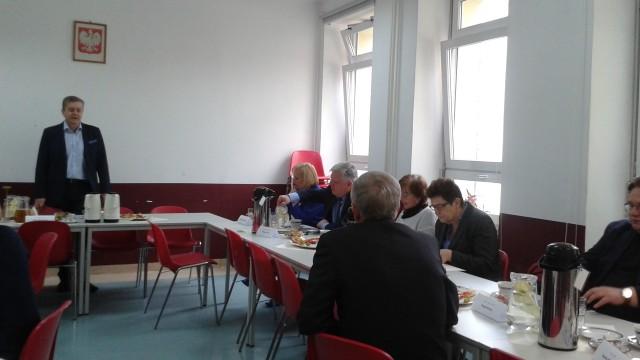 W środę 27 kwietnia odbyło się pierwsze posiedzenie Narodowej Rady Reumatologii. Na spotkaniu wybrano prezydium Rady oraz omówiono zadania Rady.