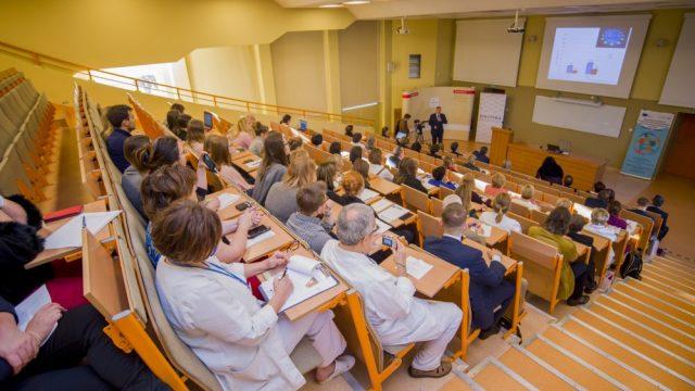 """Frailty syndrome – zespół kruchości jako jeden z """"wielkich problemów geriatrycznych"""""""